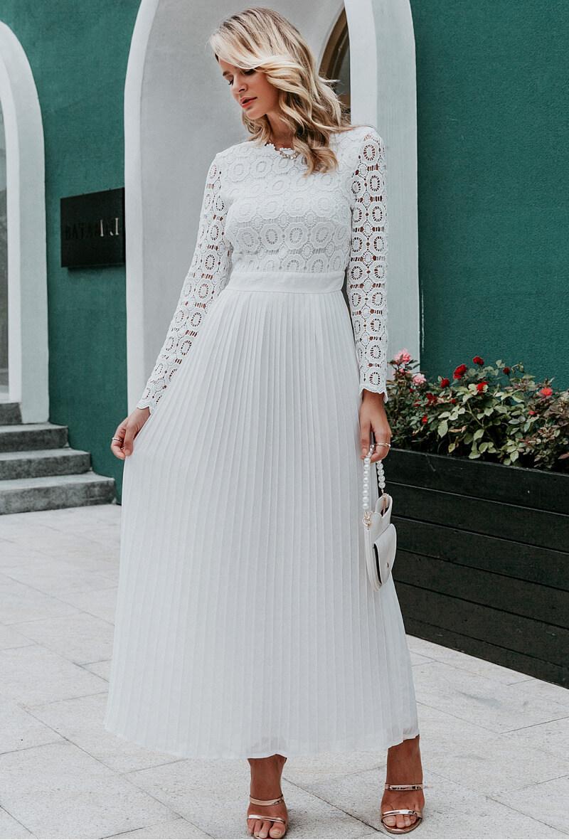 Sukienka Koronkowa Biała Długa z Długim Rękawem Maxi