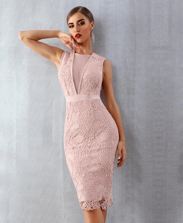 Sukienka Koronkowa Pudrowy Róż Bez Rękawów Midi Secret Wish Boutique