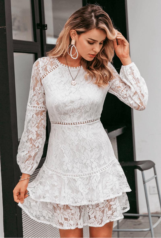 Tinimina Sukienka Biała Koronkowa Falbany z Długim Rękawem