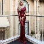 Sukienka Bordowa w Kolorze Wina z Długim Rękawem Maxi