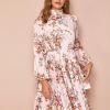 Sukienka Ecru w Kwiaty z Długim Rękawem Przed Kolano