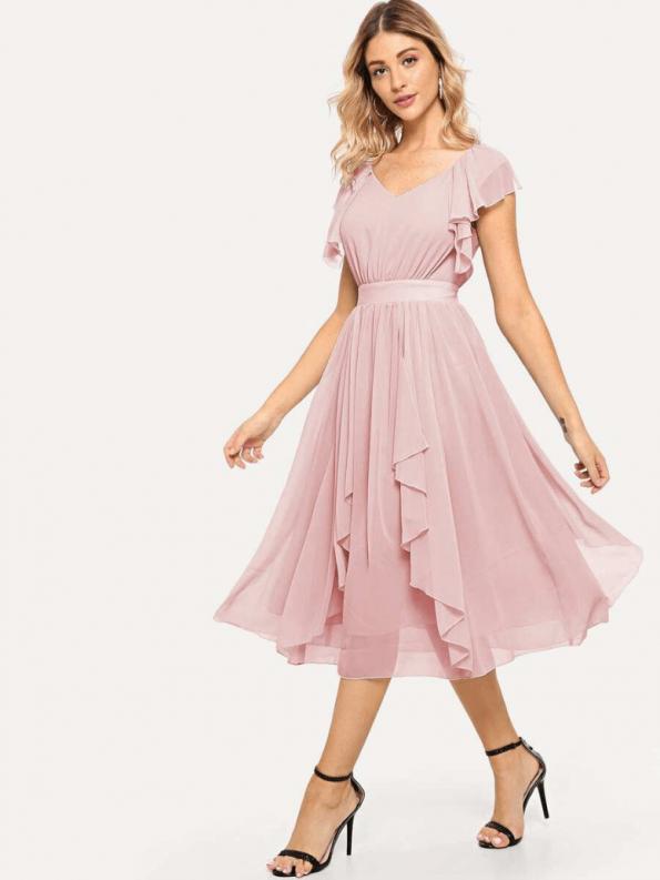 Sukienka Rozkloszowana Pudrowy Róż Falbany z Krótkim Rękawem Midi za Kolano