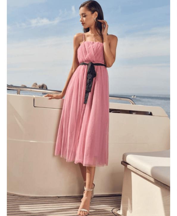 Secret Wish Boutique Sukienka Tiulowa Pudrowy Róż na Ramiączkach Midi za Kolano