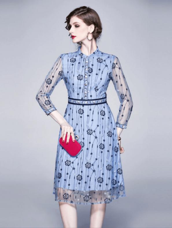 Secret Wish Boutique Sukienka Błękitna Niebieska w Hafty z Długim Rękawem Midi (2)