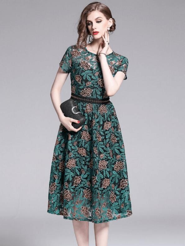 Secret Wish Boutique Sukienka Koronkowa Zielona z Krótkim Rękawem za Kolano Midi (2)