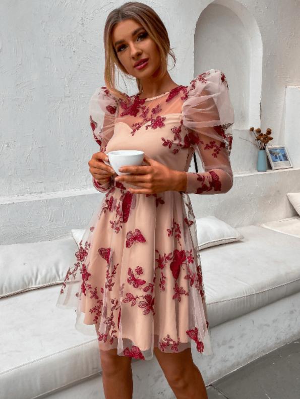 Secret Wish Boutique Sukienka Różowa Haftowana z Krótkim Rękawem Mini (2)