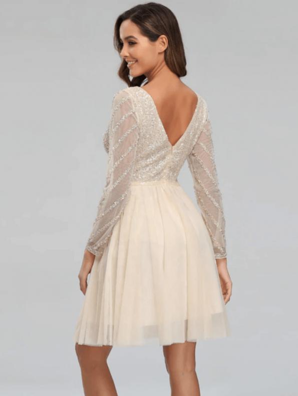 Secret Wish Boutique Sukienka Ecru w Cekiny z Długim Rękawem Mini (1)