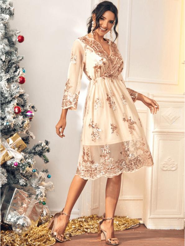 Secret Wish Boutique Sukienka Złota w Cekiny z Długim Rękawem Midi