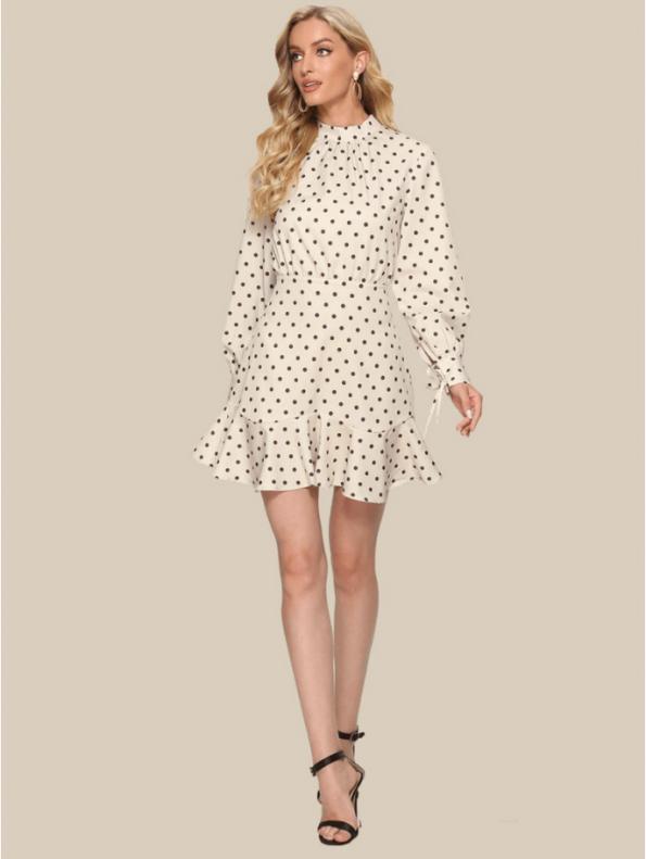 Secret Wish Boutique Sukienka Ecru w Czarne Kropki Falbanka Mini (2)