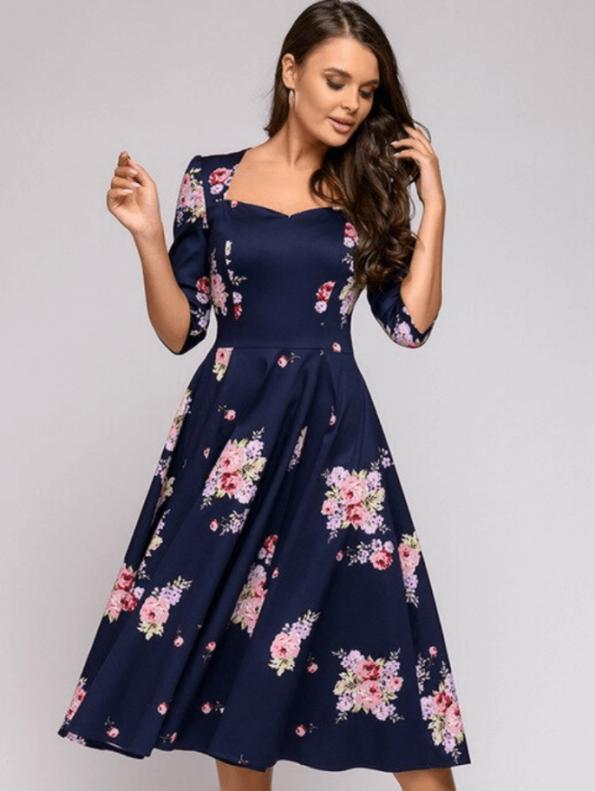 Secret Wish Boutique Mellisa Sukienka Granatowa w Kwiaty z Odsłoniętym Dekoltem Midi (5)