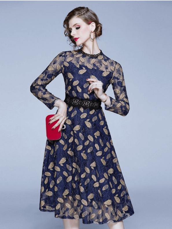 Secret Wish Boutique Sukienka Granatowa Haftowana w Złote Listki (1)