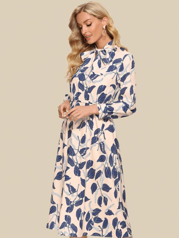 Secret Wish Boutique Sukienka Kremowa w Niebieskie Kwiaty z Długim Rękawem Midi (2)