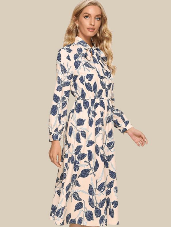 Secret Wish Boutique Sukienka Kremowa w Niebieskie Kwiaty z Długim Rękawem Midi (3)