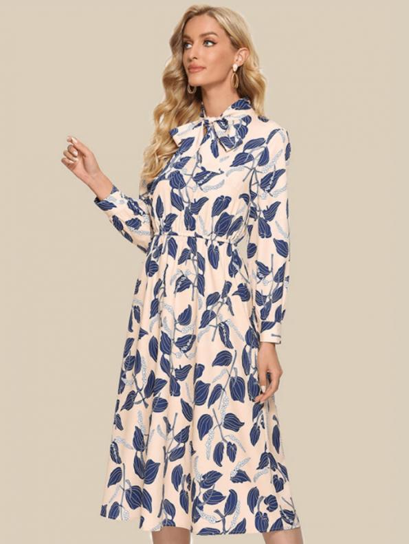 Secret Wish Boutique Sukienka Kremowa w Niebieskie Kwiaty z Długim Rękawem Midi (4)