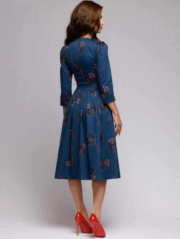 Secret Wish Boutique Sukienka Rozkloszowana Granatowa w Kwiaty Rękaw 3_4