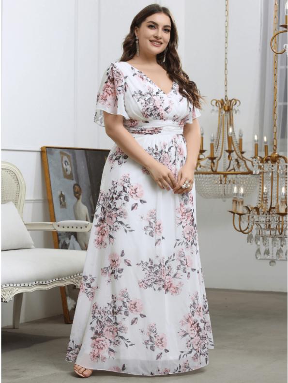 Secret Wish Boutique Sukienka Plus Size Biała w Kwiaty z Krótkim Rękawem Maxi (1)
