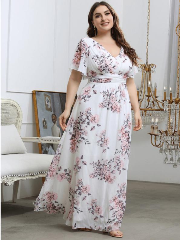 Secret Wish Boutique Sukienka Plus Size Biała w Kwiaty z Krótkim Rękawem Maxi (2)