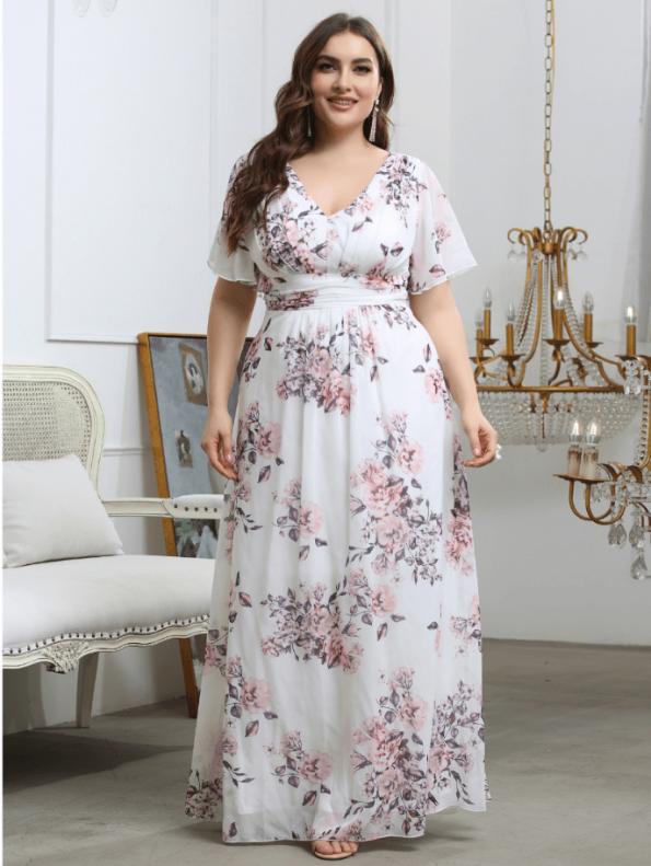 Secret Wish Boutique Sukienka Plus Size Biała w Kwiaty z Krótkim Rękawem Maxi (3)