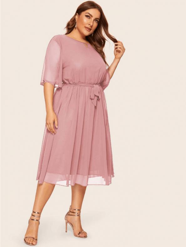 Secret Wish Boutique Sukienka Pudrowy Róż z Krótkim Rękawem Plus Size Midi (1)