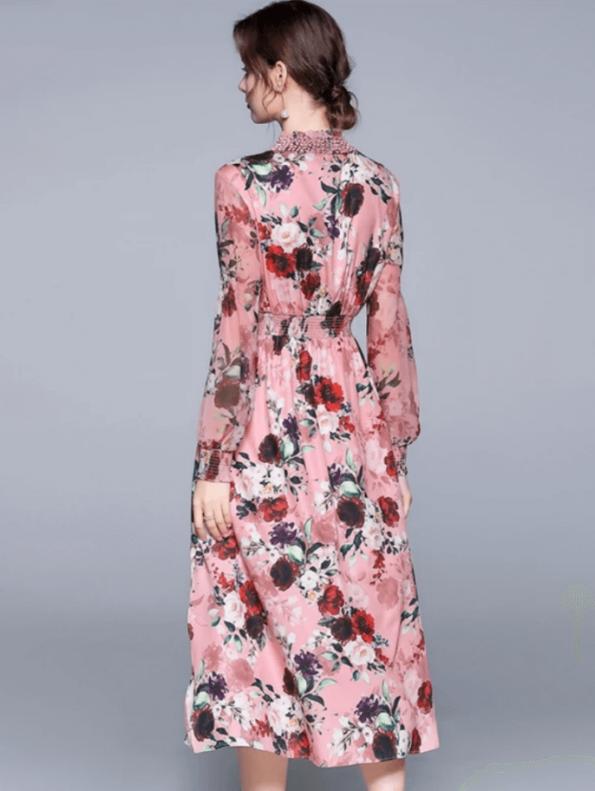 Secret Wish Boutique Sukienka Różowa w Kwiat z Długim Rękawem za Kolano Midi