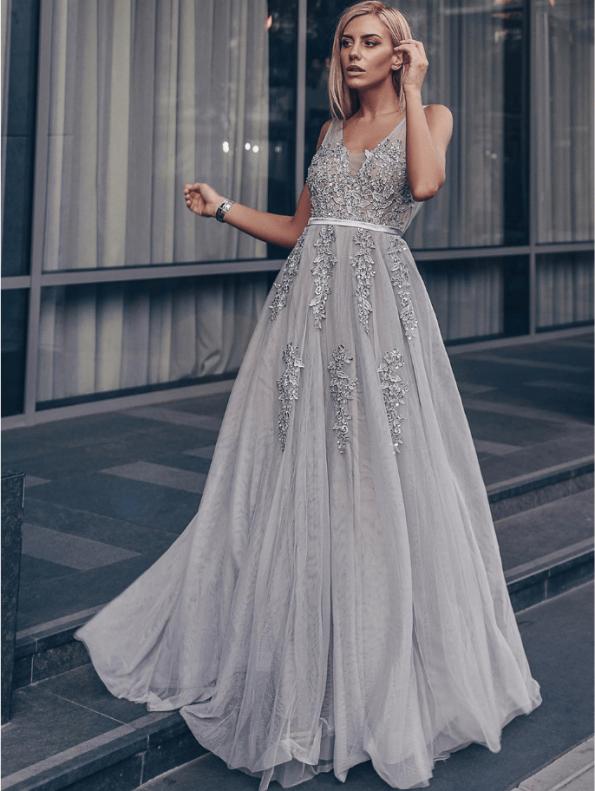Secret Wish Boutique Sukienka Wizytowa Szara Tiulowa Haftowana na Ramiączkach Długa Maxi