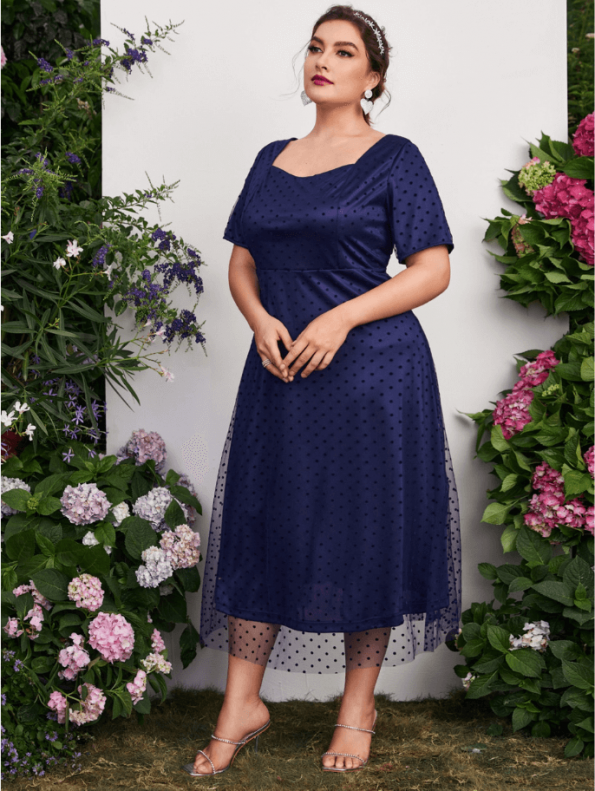 Secret Wish Boutique Sukienka Granatowa Tiulowa z Krótkim Rękawem Midi (3)
