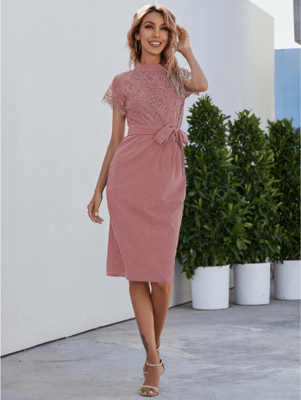 Secret Wish Boutique Sukienka Koronkowa Pudrowy Róż z Krótkim Rękawem Midi