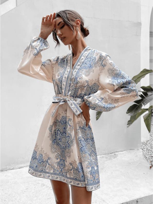 Secret Wish Boutique Sukienka Biała w Niebieskie Hafty z Długim Rękawem Mini (1)