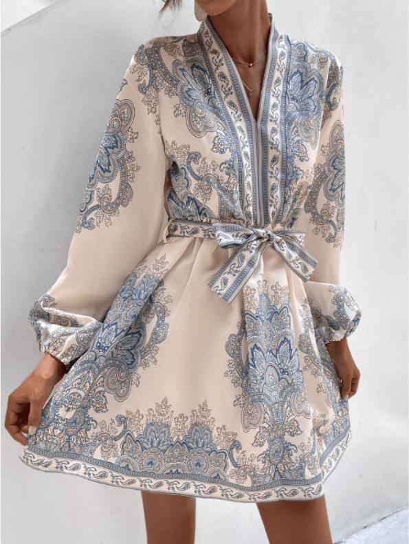 Secret Wish Boutique Sukienka Biała w Niebieskie Hafty z Długim Rękawem Mini (5)