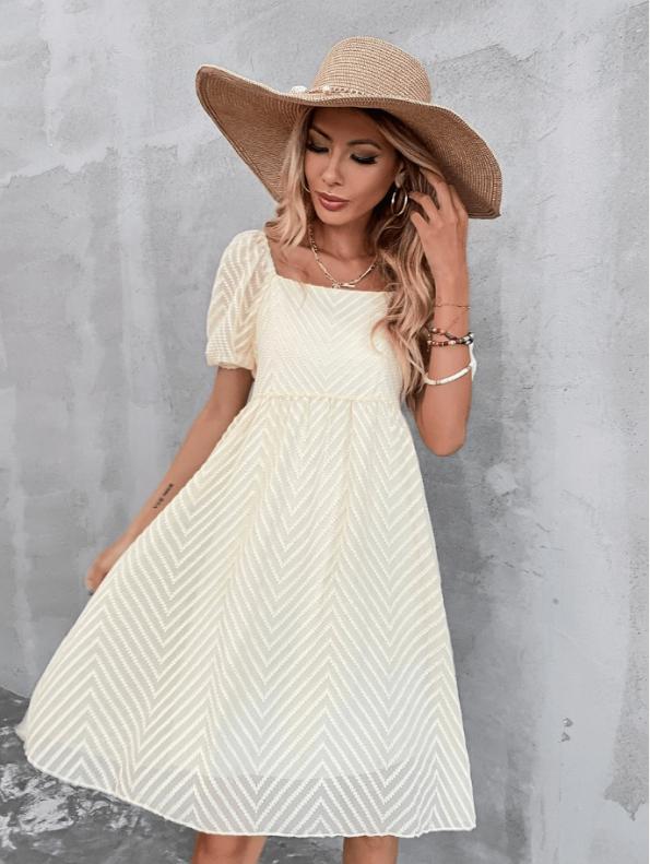 Secret Wish Boutique Sukienka Ecru z Krótkim Rękawem Za Kolano Mini Maxi (1)