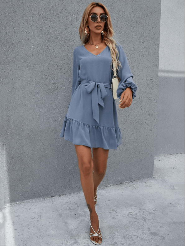 Secret Wish Boutique Sukienka Niebieska Błękitna Falbanka z Długim Rękawem Przewiązywana w Pasie (4)