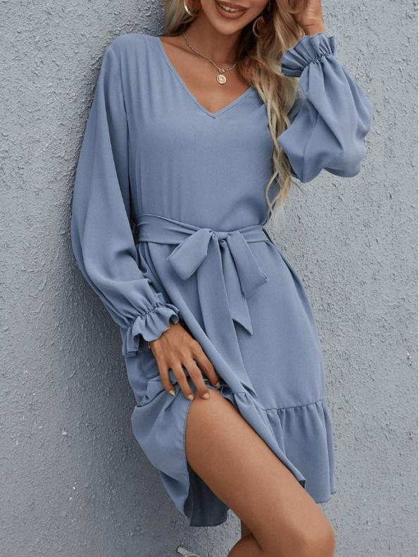 Secret Wish Boutique Sukienka Niebieska Błękitna Falbanka z Długim Rękawem Przewiązywana w Pasie (5)