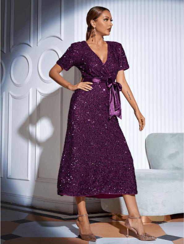 Secret Wish Boutique Sukienka w Cekiny z Krótkim Rękawem z Odsłoniętym Dekoltem Midi110