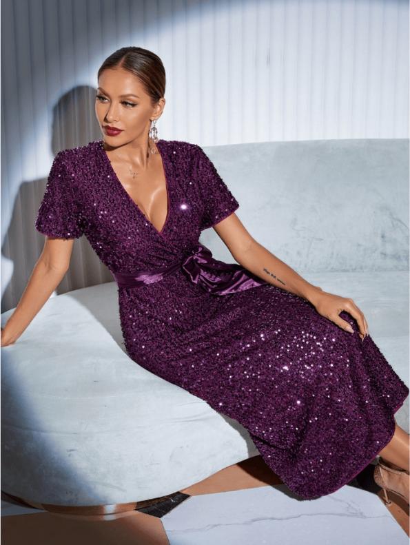 Secret Wish Boutique Sukienka w Cekiny z Krótkim Rękawem z Odsłoniętym Dekoltem Midi57